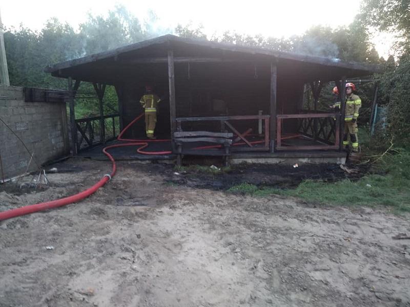 Pożar domku letniskowego i łoś w kanale