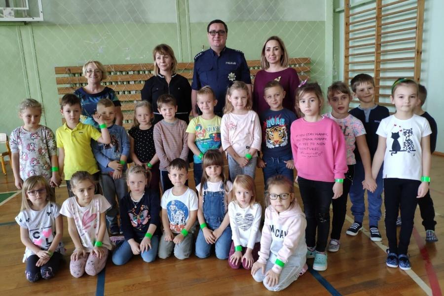 Dzielnicowy spotkał się z uczniami