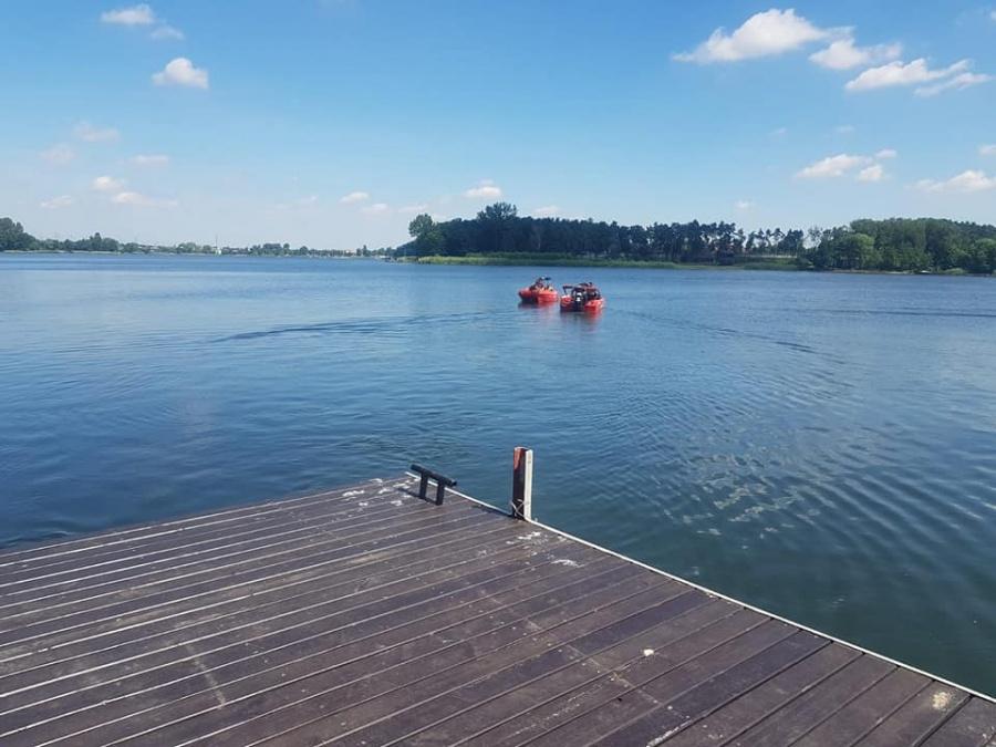 Nurkowie nadal poszukują ciała w jeziorze